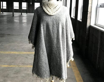 70s Poncho in Cream and Gray Wool