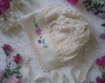 Buenos Dias Tunic Set Bonnet to match with Lace. Ready to ship in 2-3-4 y.o. size. fits up to 20-21""