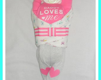 """Baby Girl """"Daddy Loves Me"""" Diaper Cake Baby-Gorgeous Centerpiece/Gift"""