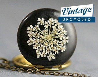 Flower Dreams - genuine vintage locket. Black enameled with real Queen Annes Lace. Small locket. Bridesmaid. Locket necklace for her.