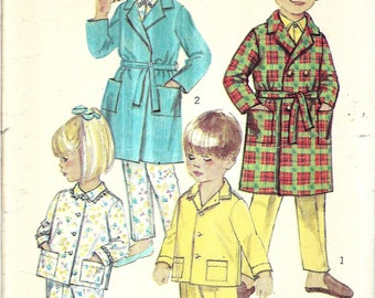 Vintage Kids Pajamas Pattern, Childs Robe Pattern, Pajama Pants and Top with Pockets, Long Sleeves, Long Robe, Size 6, Chest 24