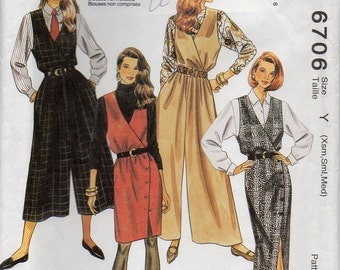 Loose Fitting Jumper Or Jumpsuit With Lined To Edge Surplice Bodice Back Zipper Size Xsml Sml Med Dress Sewing Pattern 1993 McCall's 6706