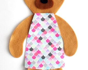 Bear Sewing Kit Pink, Felt Hand-Sewing Kit Craft Felt Sewing Kit, Kid Sewing Kit, diy Felt Mini kit, Felt supplies, felt pattern
