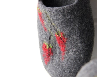 Felted women slippers - grey slippers with red flowers - wool clogs - warm house shoes - Mothers day gift - gift for her - made to order
