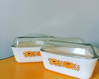 Retro Kitsch Pyrex Dishes