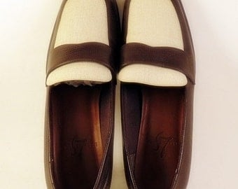 Life Stride Spectator Loafers Womens Sz 6 Vegan Brown Ivory Flats Slip on Shoes