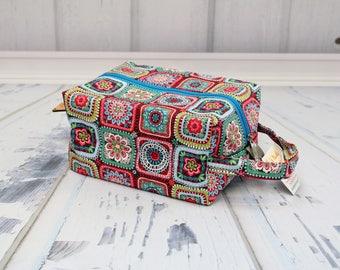 Granny Squares Knitting Project Bag, Box Bag, Large boxy bag, Knitting Box Project Bag.Unique metal zipper pull.Crochet project bag