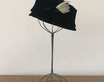 Vintage 60s Black Velvet Hat