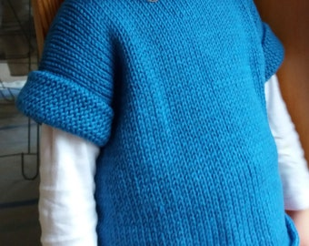 100% wool jumper. Blue. Short sleeve
