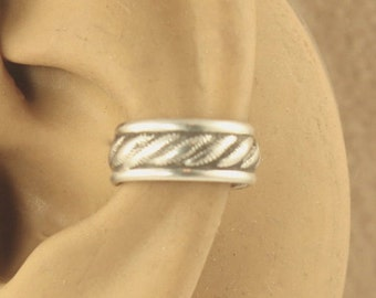 Sterling Silver Cartilage Cuff - Ear Cuff - Cartilage Earring - Ear Band - Gift Under 10 - Stocking Stuffer - Rope Design with border