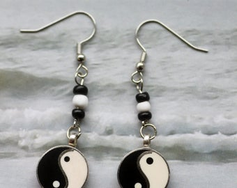 Ying Yang Earrings, black and white, Dangling