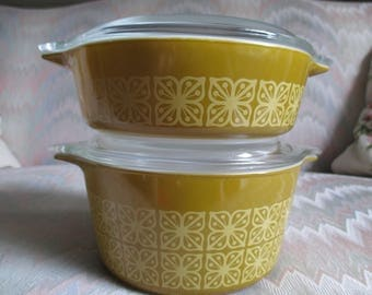 Pyrex Square Flowers Casserole 1 pt and 1qt. #471,#473