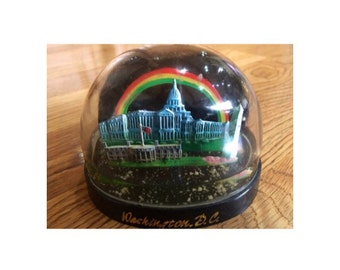 Washington DC Snow Globe, Vintage Souvenir