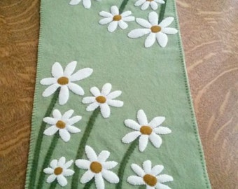 """Delightful Daisies Wool Applique Cath Penny Rug Table Runner Pattern Finished size is 11 1/2"""" x 28 1/2"""" (pattern only)"""