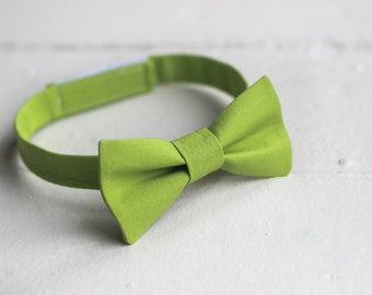 Boys Green Bow Tie -  Toddler Green Bow Tie, Green Baby Bow Tie, Green Little Boys Bow Tie, Green Toddler Bow Tie Green Toddler Boys Bow Tie