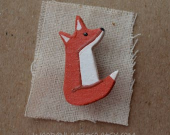 Little English Fox Badge, brooch, pin, button, fox jewellery, foxes, miniature animals, little gift, lapel pin, fox cub, baby animal, cute