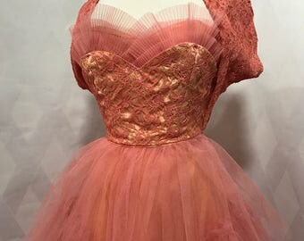 Vintage 1950s Prom Cupcake Dress Coral Rose and Gold Lace and Tulle Pleated Clamshell Crumb Catcher Front Size XS