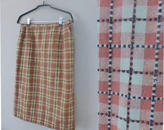 80s plaid skirt. M size. Fully lined secretary skirt with two front pockets. Made in Greece, without tags. In a very good vintage condition.