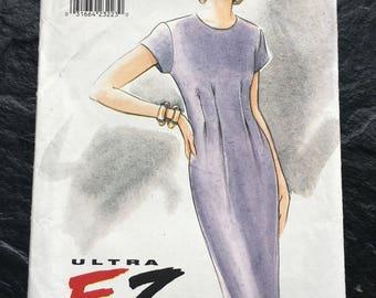 1990s Misses' Dress Pattern // Vogue 9438- Ultra EZ > size 6-8-10 > cap sleeves > round neckline, darts