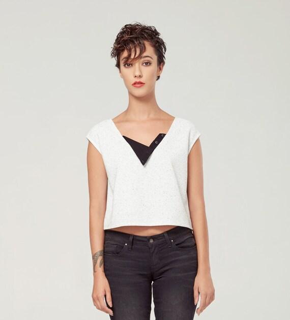 HORIZON - sleeveless crop top, tee-shirt, t-shirt for women - textured white