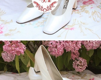 "Pumps/heel shoes leather, vintage, white, made in Spain, mark ""Career"", size 36, wedding / evening / ceremony"