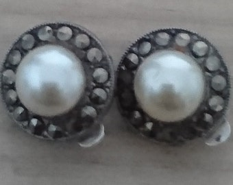 Vintage sterling silver Pearl and marcasite clip on earrings
