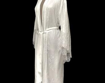 lace kimono, lace brides robe, lace bridal robe, getting ready robe, bridal robe, wedding day robe, lace wedding robe, brides lace robe