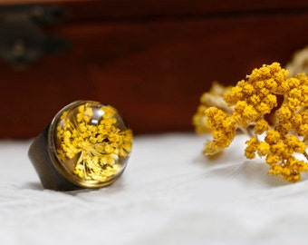 Anne's queen lace resin ring vintage  : Real yellow Pressed Flower resin adjustable  gift for her