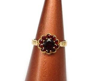 Vintage gold Garnet ring silver plated, Gr. 53 Garnet sterling silver ring, gold plated US size 6.4 M UK size 1/2