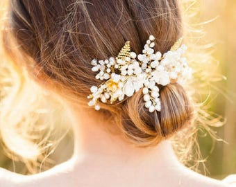 Floral bridal hair comb, gold beaded floral headpiece || LAUREN