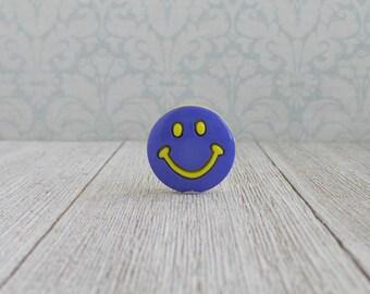 Smiley Face - Happy Face - Smile - Inspiration - Fun - Friends - Lapel Pin