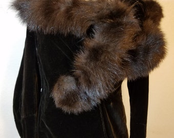 FREE  SHIPPING  1940 Velvet Jacket with Fur
