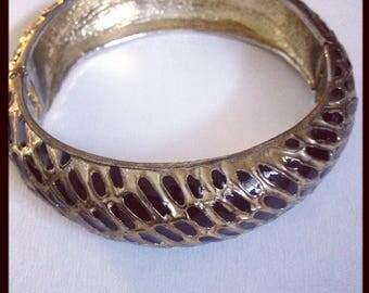 Vintage hinged bracelet