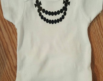 Personalized Onesie,Necklace Onesie,Valentines Bodysuit,Baby Shower Gift,Statement Baby Clothing,Newborn Gift,Chic Baby,Baby pearl Jewelry