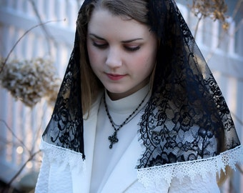 Evintage Veils~ Black Spanish Lace Floral Lace Mantilla Chapel Veil Classic D Shape~ White Trim Option