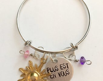 "Disney Tangled Before Ever After Inspired Hand-Stamped Bangle Bracelet - ""Plus Est En Vous"""