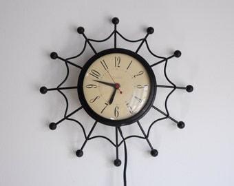 1960s United Starburst Clock / Model #69 / Brooklyn New York /