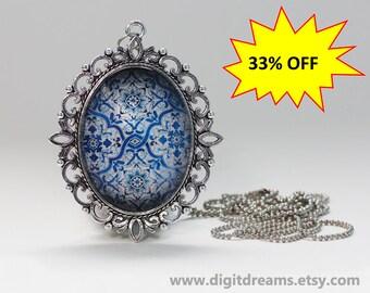 Ma36: Flower Portuguese tile (azulejo) vintage pendant/keychain