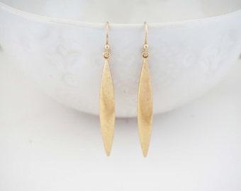 Matte Gold Thin Pendant Earrings