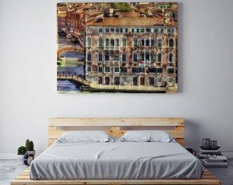 VENICE. Gondoleando between the canals of Venice. Travel photo. Art photo. Honeymoon. I remember. Love.