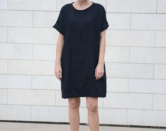 Wide and loose oversized minimal linen tunica/dress/shirt in Black. Women's dress. Washed linen dress.