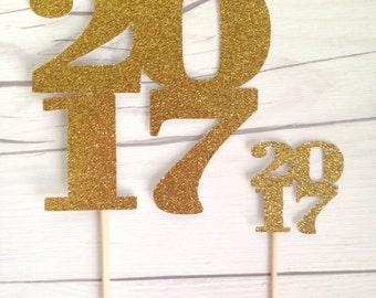 Glittery 2017 / High School Graduation / College Graduation  / Gold Graduation Year / Graduation Mason Jar Vase/ Graduation Table Numbers