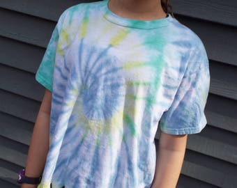 Kids Tie-dye Fringe Shirt, Girls Large Tiedye Tee with fringes for the tween hippie, Boho Girls Clothes, Hippie Kids Fringed T-Shirt, Pastel