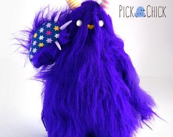Mobbo the monster of hugs Toy