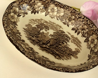 Wedgewood Little Oval Dish with Brown Woodland Pattern