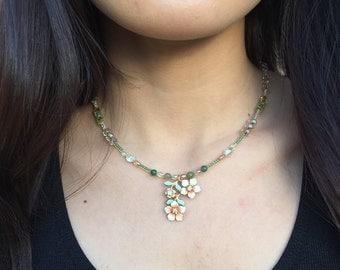 Vintage flower beaded necklace