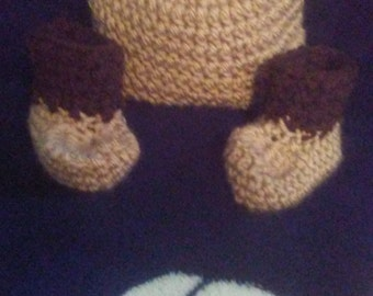 Newborn Teddybear hat and boots