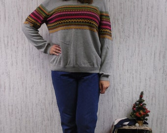 Vintage lovely sweater.