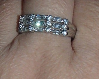 AVON 925 Sterling silver vintage three row Clear Gemstone Band ring, size 9