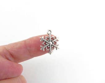 20 Snowflake Charms - Antique Silver Plating - two-sided - 18mm x 14mm